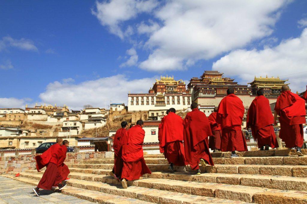 Các vị Lạt ma ở tu viện Songzanlin, Shangri-La