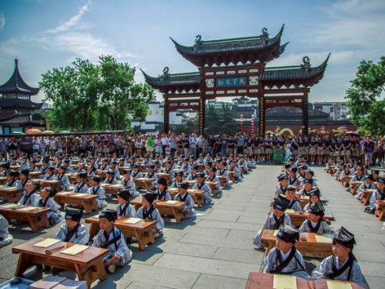 Nho giáo, giáo dục Trung Quốc. Xã hội Trung Quốc ngày càng lạnh nhạt.